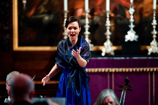 Eszter Balogh wins Handel Singing Competition in London